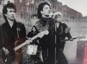 bono-U2-concert-1982